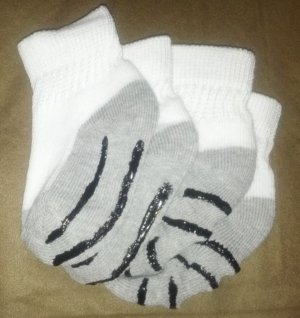 diy non-skid baby socks